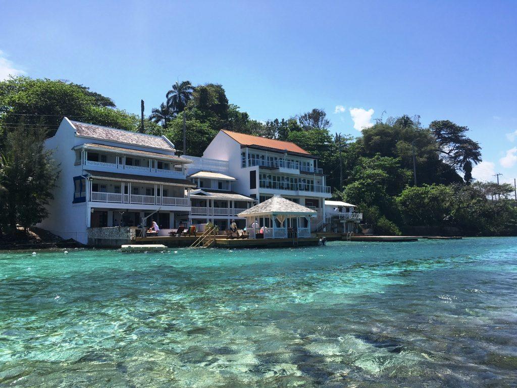 Casas ao redor da Blue Lagoon