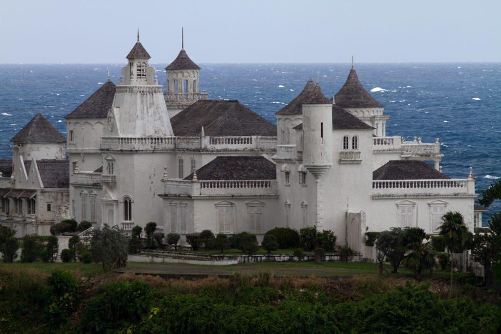 Trident Castle por Marcel Holyoak