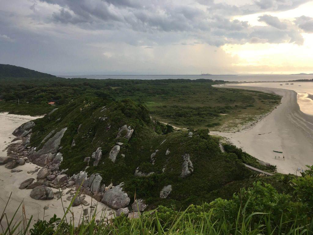 Vista do alto do morro do Farol
